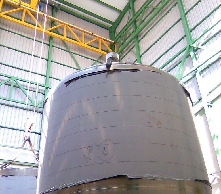 Construction of stainless steel deposit in a factory.