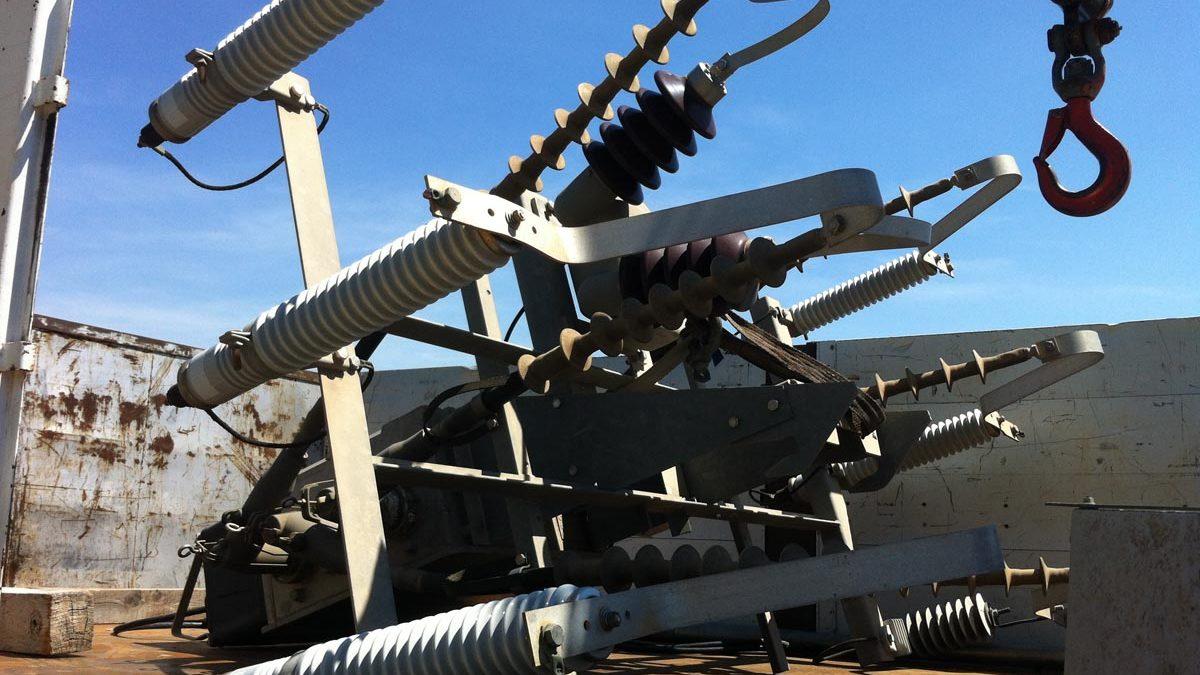 Deviation electrical aerial line